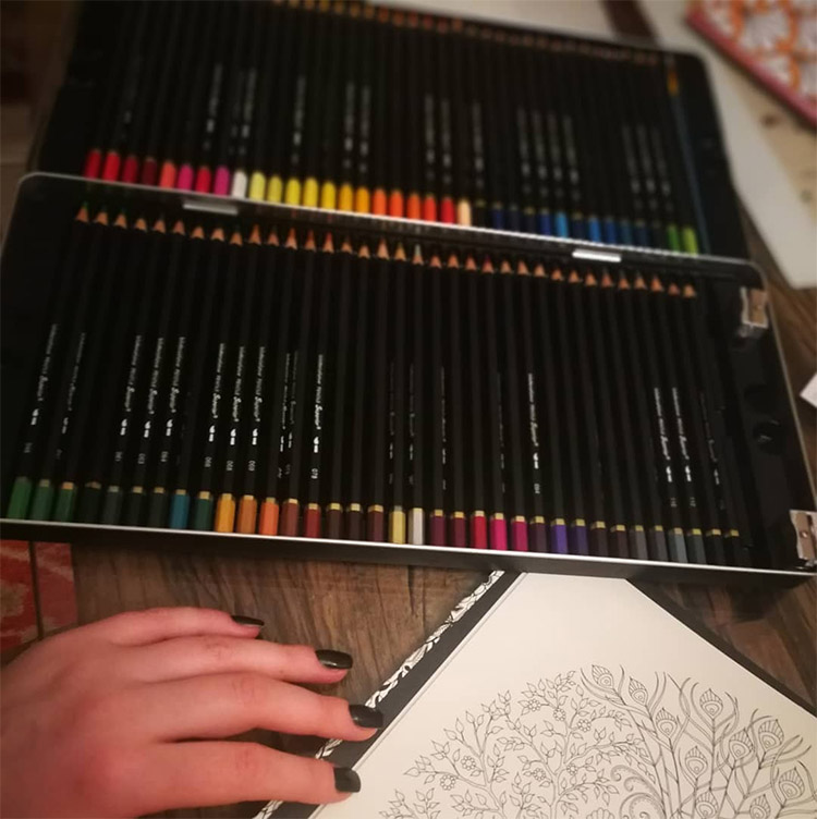 Watercolor pencil set dark designs