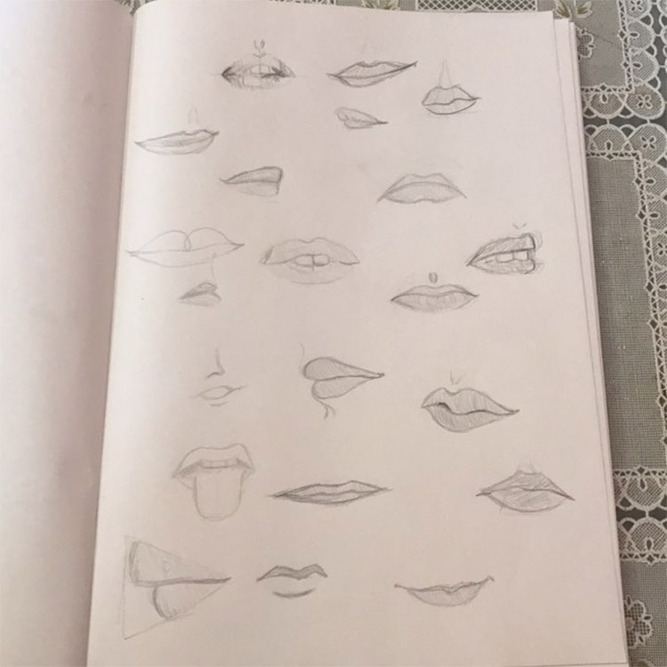 Light pencil lip sketches