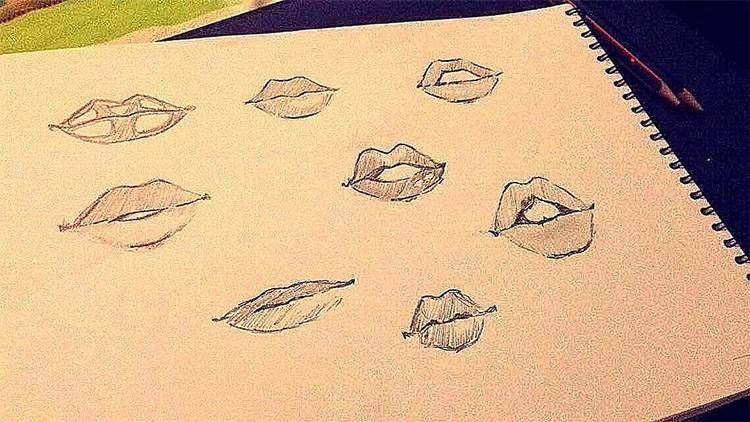 Quick grainy lips sketches