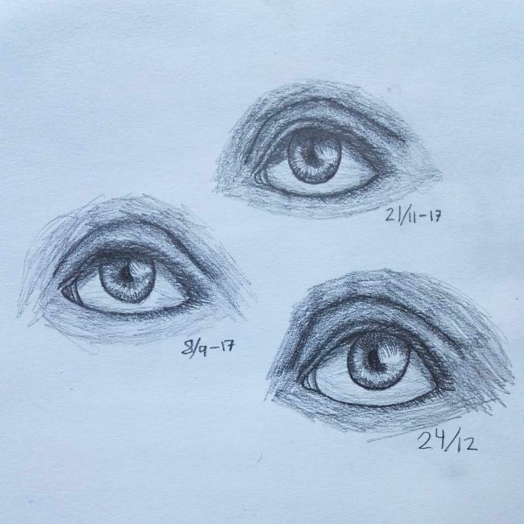 Light human eyes sketched