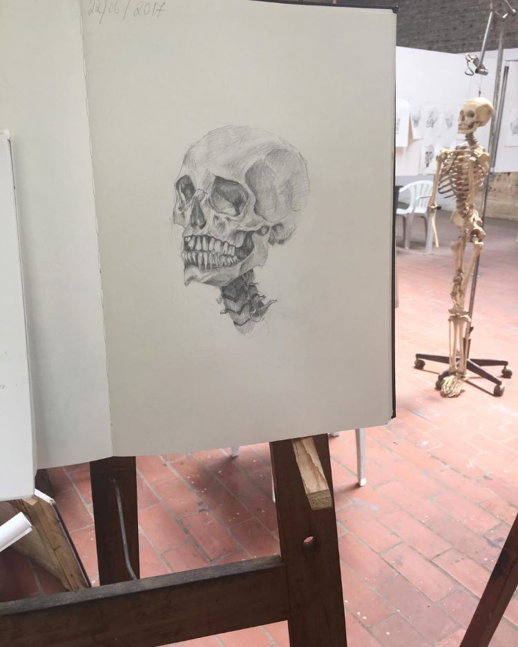 Skull drawing on easen